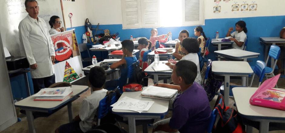 Programa Saúde na Escola percorre escolas municipais de Umbuzeiro
